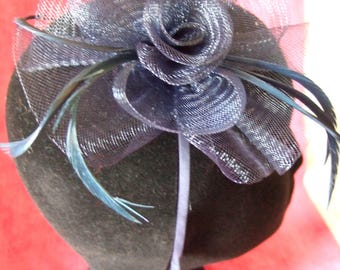 Navy centre net flower & feather fascinator on a alice band. Wedding Fascinator, Races Hat, Flower Fascinator, Ladies Hat, Navy Fascinator