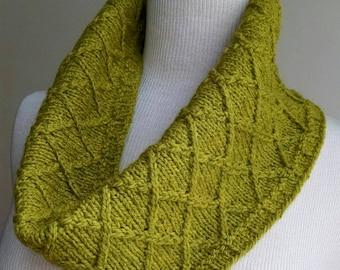 Nexus Cowl Knitting Pattern