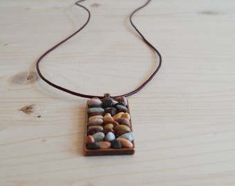 Beach pebble rectangular necklace