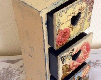 Shabby chic jewellery chest, Jewellery box, Jewelry box, Shabby chic jewellery drawers, vintage inspired