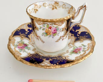 "Coalport ""batwing"" demitasse coffee cup and saucer, 1914-1939"