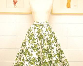 1950's Quilted White and Green Skirt with Rhinestone Accents / Circle Skirt / Pin Up / Rockabilly / Rare Collectable Retro