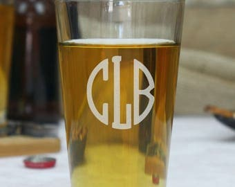 Custom Pint Glass, Beer Glasses, Pint Glasses, Personalized Pint Glasses, Drinking Glasses, Glassware, Engraved Pint Glass, Monogram