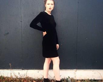 90's Velvet Long Sleeved Black Dress