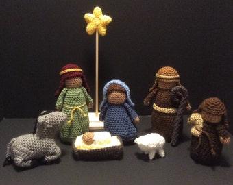Adorable Crocheted Nativity Scene Characters