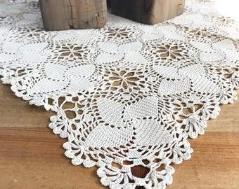 SALE* Antique Turkish Crochet Lace Table Linen - Chunky Lace Hand Made Doily - Off White Wedding Linen, Lace Table Runner, Lace Centerpiece