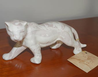Vintage Mount St. Helens Collectible Ash Ware Panther. Glass or Ceramic Big Cat Made with Ashes from St. Helens' Eruption.