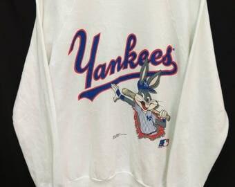 Vintage YANKEES Bugs Bunny//Sweatshirt Spellout//Major League Baseball//Size L//Made In USA//Raglan