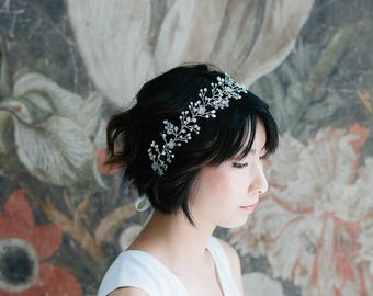Bridal hair wreath, pearl headpiece, bridal hair vine, rhinestone halo, pearl and crystal headpiece, bridal hair accessory - Elizabeth