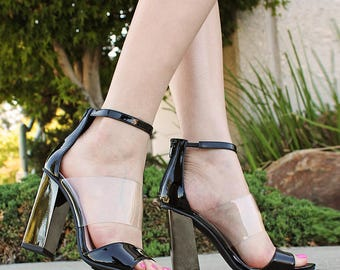 Mark and Maddux Cander-05 Chunky Heel Women's High Heel Sandals in Black