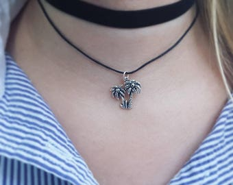 Double choker with palm trees