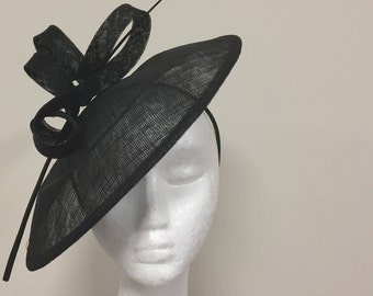 Black medium fascinator