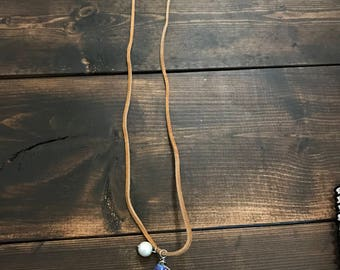 "15"" Wrapped Wire Crystal & Pearl Suede Necklace"