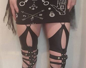 Elastic studded leg harness. One size alternative/fetish/rock/metal