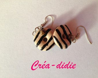Striped chocolate donuts earrings.