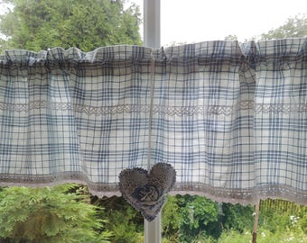 Shabby cottage curtain Sweden style and heart