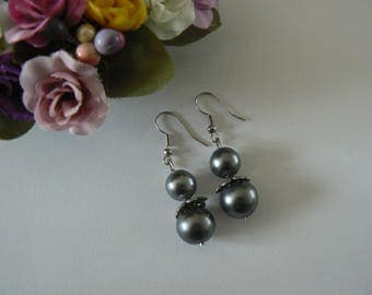 Earrings two Pearl gray