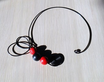 Necklace black and Red aluminum wire