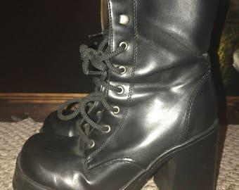 Vintage Mudd platform boots