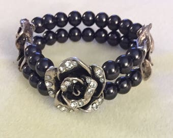 3 Rose and black beaded bracelet 7 1/2""