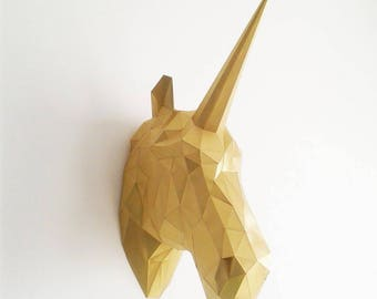 Geometric paper Unicorn head trophy
