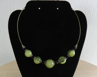 Necklace green glitter beads