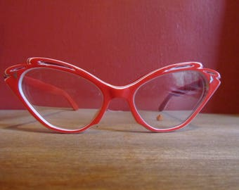 Red 50s vintage glasses frame