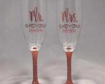 Rose Gold Wedding Decor Toasting Glasses, Mr and Mrs, Toasting Flutes, Wedding Decor Personalized With Year