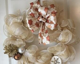 Christmas Wreath, White and Gold Wreath, Christmas Deco Mesh Wreath, Deco Mesh Wreath, White and Gold decor, Elegant Wreath