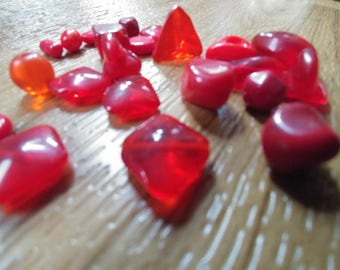 Red Glass Beads ~ Red Beads ~ Beads for Jewelry Making ~ Bead Necklace ~ Red Christmas Beads ~ Shiny Red ~ Beading ~ Jewelry Findings ~