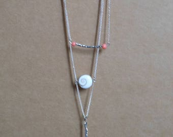Necklace 3 strands with pendant and etched tube