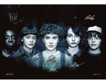 Script screenplay  Stranger Things   Cast Signed Cover ( printed not hand signed) Plus free gift
