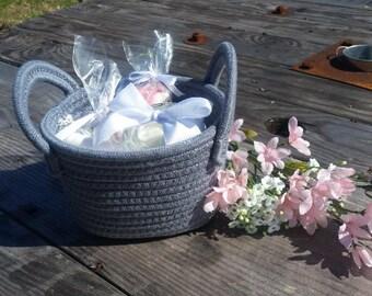 Be My Bridesmaid Basket / Bridesmaid Proposal / Maid of Honor Proposal / Bridal Party Gift / Thank you from Bride