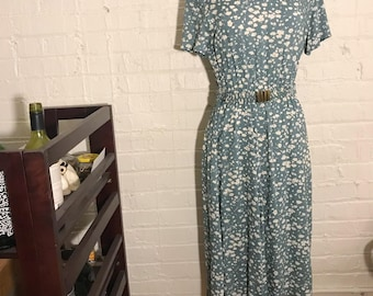 Orvis Vintage 1980s Floral Rayon Green White Cinched Waist Belted Elastic Dress Midi Size 10 PETITE