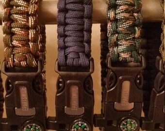 Paracord Survival Bracelets