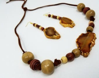Handmade Brown Agate Crystal Necklace and Earring Set // Wooden Beads // Bohemian Jewelry Set // Hippie Jewelry // Crystal Healing // Boho