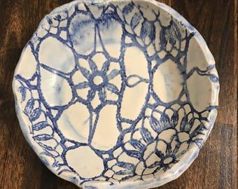 Lace ceramic dish