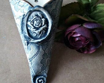 Ceramic Hanging Wall Vase Rose and lace Blue