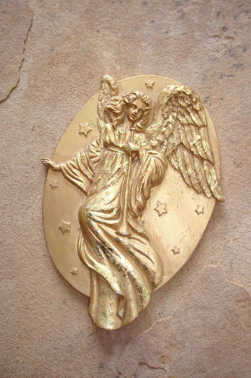 Vintage Gold Angel Cast Resin Bas Relief Oval Medallion Christmas ...
