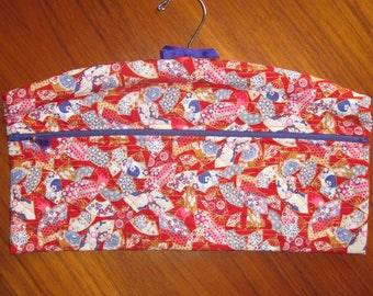 Japanese Fans Design Closet Hanger Organizer Quilted Fabric Red