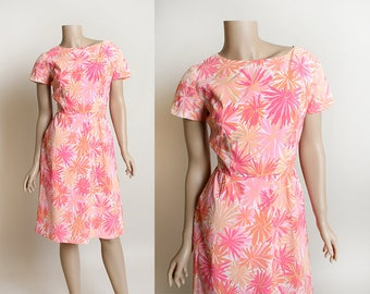 Vintage 1960s Dress - Floral Starburst in Shades of Pink and Peach - Wiggle Dress - 60s Psychedelic Fireworks - Small