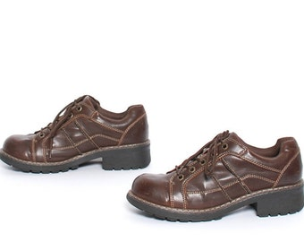 size 9 GRUNGE brown leather 80s 90s PLATFORM lace up ankle boots
