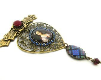 History's Queens Collection - Flora MacDonald Embossed Bar Brooch w/MacDonald Ancient Tartan Charm & Mystic Black Swarovski Crystal Pearl