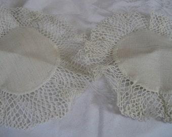 Set of 2 VINTAGE Ruffled Crochet Edge Lace Doilies A2