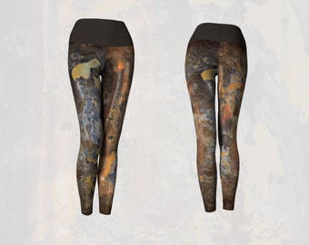 Modern Abstract Yoga Leggings in an Industrial Grunge Theme Tarnished Silver Printed Pattern