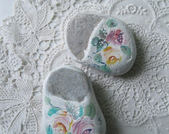 Painted Roses on Stones, Painted Stones, Paper Weights, Painted Stone Shoes,  Door Stop, Beach Decor, by gardenstones on etsy