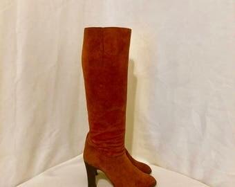 Sz 7 Vintage Tall Rusk Genuine Suede 1980s Women Zip Up High Heel Boots.