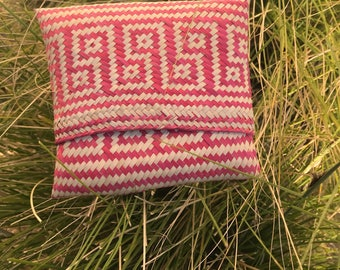 The Vintage Pink Straw Oaxacan Clutch or Coin Purse Pouch