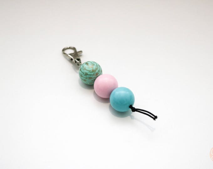 Green, Pink and Blue Beaded Keychain | Zip Pull.