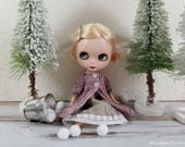 Dusty Pink Ribbed Overdress, Light Sweater for Blythe-Vintage White Glass Buttons, Hand Knit Doll Clothing